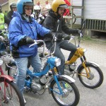 2015-08-16 Mopedlandslaget - gult och blått!